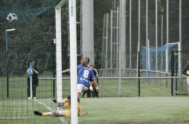 Cienfu celebra el primer gol del partido. Foto: Bibi Peón VAVEL