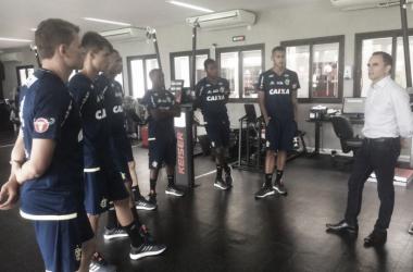 No Ninho do Urubu, parte do elenco do Flamengo se reapresenta para pré-temporada