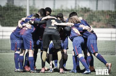 El FCB Cadete B en la previa del partido ante el Viladecans. Foto: Noelia Déniz, VAVEL