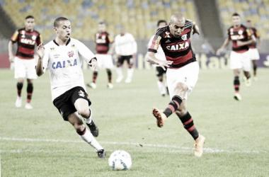 Colados na tabela e em clima de férias, Atlético-PR e Flamengo se enfrentam na Arena da Baixada