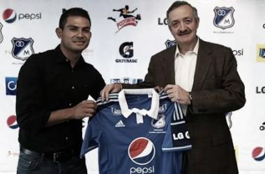 David Silva y Enrique Camacho, presidente de Millonarios.