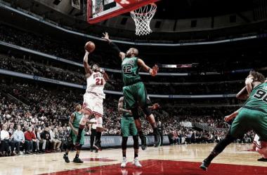 Con polémica, Chicago venció a Boston