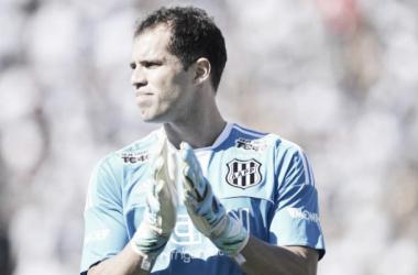 """Com futuro indefinido, Lomba não dá chances para goleiros reservas da Ponte: """"Sempre quero participar"""""""