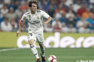 Álvaro Odriozola en un partido con el Real Madrid. Fuente: Real Madrid.
