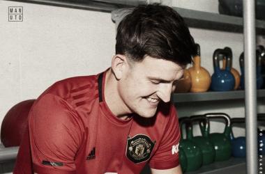 Zagueiro mais caro da história: Man United anuncia contratação de Maguire por seis temporadas