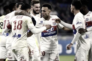 Los jugadores del Olympique de Lyon en un partido de la Ligue 1 | Foto: http://es.uefa.com/