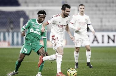 Le Derby Rhônalpin: Lyon vira no segundo tempo, mantém boa fase e amplia crise no Saint-Étienne