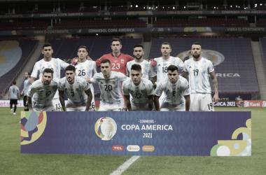 IDEAL. Los onces protagonistas del clásico rioplatense, la Selección Argentina aprobó un examen difícil. Foto: Prensa AFA