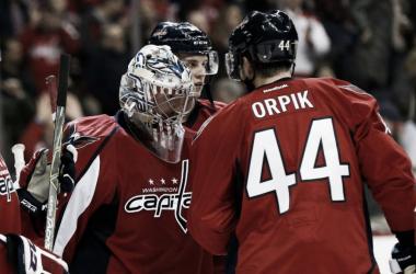 Orpik y Grubauer ponen rumbo a Colorado | NHL.com