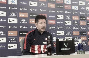 Simeone en la rueda de prensa previa al partido contra Osasuna. / Fuente: Atlético de Madrid