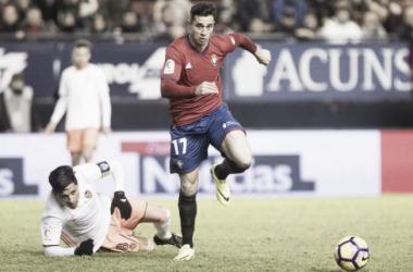 Valencia fica três vezes na frente, perde pênalti e cede empate nos acréscimos para o Osasuna