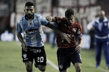 Carniello forcejea con Tagliafico. // Foto: Info Atlético.