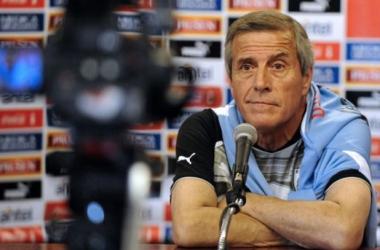 """Tabárez: """"Hay que limitar las virtudes de Costa Rica"""""""