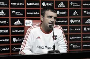 El dt leproso se enfrentó a los micrófonos previo al duelo ante Vélez (Foto: Web).
