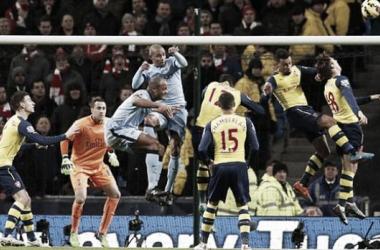 Victoria a domicilio del Arsenal con David Ospina de titular