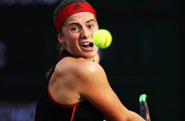 Jelena Ostapenko espanta zebra, vence Danielle Collins e está na final de Miami