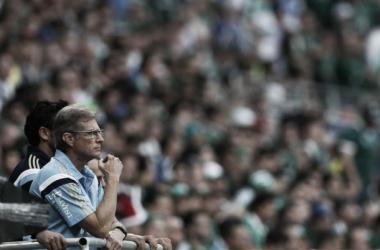 Oswaldo de Oliveira aprova vitória diante do Santos e cobra repetição de resultado na volta