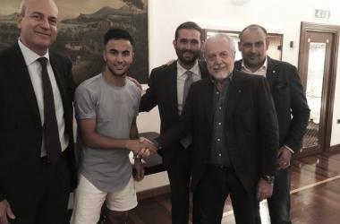Napoli confirma contratação do argelino Ounas, ex-Bordeaux