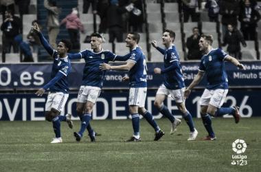 Los ovetenses celebran el gol de Bárcenas al Tenerife | Imagen: LaLiga 1|2|3