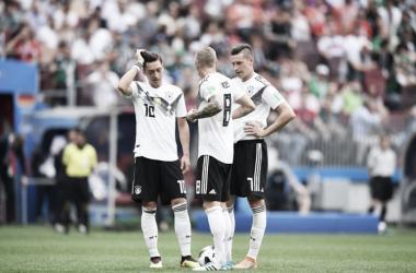 Özil también pierde peso en Alemania