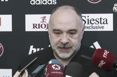 Pablo Laso conversando con los medios | Foto: ACB.com