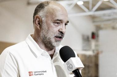 Pablo Laso analizando el partido contra Unicaja | Foto: RealMadrid.com