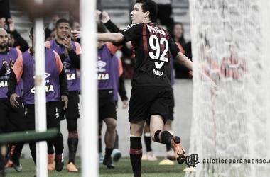 Pablo marcou o quarto gol do jogo (Foto: Miguel Locatelli/Atético-PR)