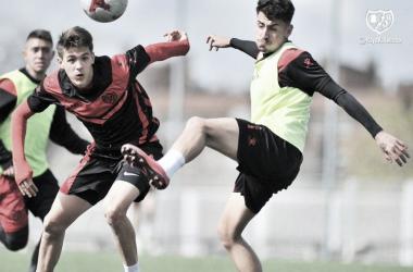 Paco Puertas en un entrenamiento esta temporada. Fotografía: Rayo Vallecano S.A.D