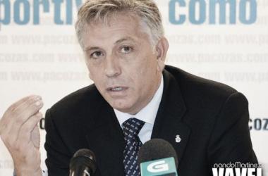 Paco Zas, en la presentación de su candidatura a la presidencia del Deportivo. (Foto: Nando Martínez)