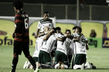 Jogadores do Palmeiras comemorando um dos gols contra o Vitória (Foto: Fabio Menotti/Ag. Palmeiras/Divulgação