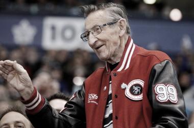 Walter Gretzky, otra pieza importante de la cultura y del hockey en Canadá - NHL.com