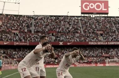 Papu, Rafa Mir y Lamela celebran uno de los goles en el Pizjuán || Foto: Sevilla FC