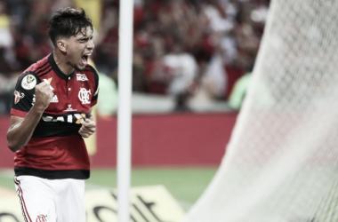 """Meia de origem, Paquetá marca como 'falso 9' e agradece Rueda: """"Me sinto à vontade"""""""