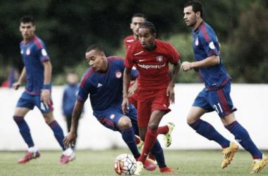 Felipe Pardo anotó su primer gol con Olympiacos