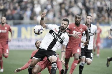 Parma vence confronto direto e deixa Fiorentina ameaçada pelo rebaixamento na última rodada