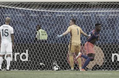 PASO EN FALSO. El último debut de Argentina cayó ante Colombia y tuvo un sabor amargo en el Arena Fontonova. Foto: Web