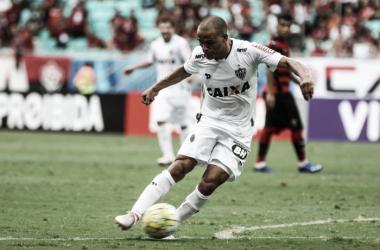 Jogadores do Atlético-MG lamentam empate no fim diante do Vitória