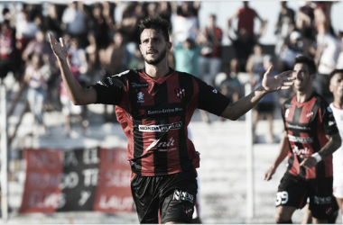 Federico Bravo después del gol (Foto: Apurogol)