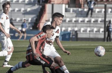 En la tarde de Paraná los conjuntos rojinegros no se sacaron ventaja. Fuente: (TyC Sport)