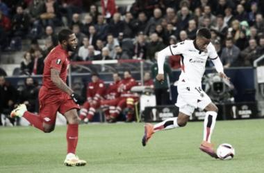 Paulo Miranda falha e Nice conquista primeira vitória na UEL ao bater Red Bull Salzburg