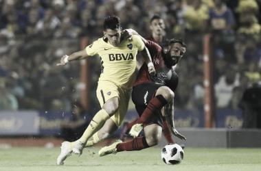 Cristian Pavón, disputando una pelota. Foto: Boca Juniors