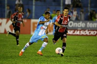 Paysandu derrota Joinville e sai da zona do rebaixamento