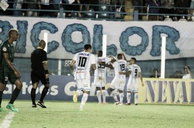 Paysandu marca um gol em cada tempo e derrota Manaus de virada na Copa Verde