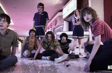 Protagonistas de la serie en una escena de la tercera temporada/ Fotografía de Netflix.