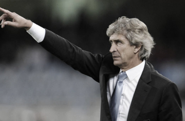 Manuel Pellegrini, entrenador del Real Betis Balompié. Foto: @Ing_Pellegrini