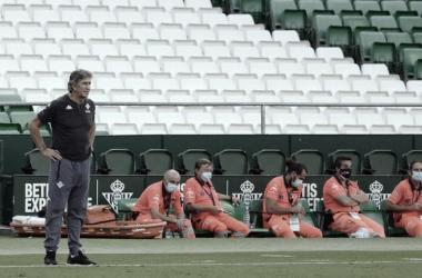 """Pellegrini: """"Jugar contra el Madrid, el VAR y expulsión, todo junto, es difícil"""""""