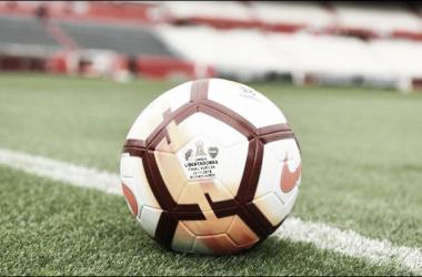 La pelota, el juego, el fútbol, olvidados en todo este caos (Foto: Conmebol).
