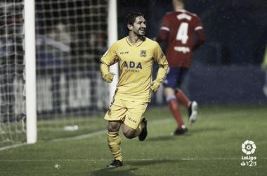 Jonathan Pereira celebra su gol ante el Zaragoza. LaLiga 1|2|3