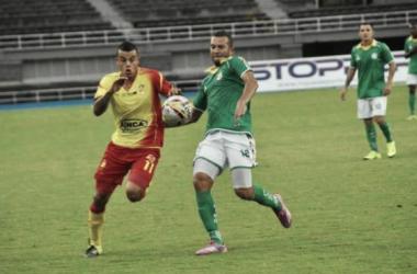 Con gol mundialista Pereira se adueñó del clásico