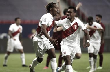 Peru resolve na bola parada e elimina Venezuela da Copa América